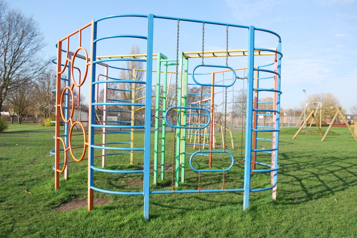 Climbing frames and the benefits they can bring your family