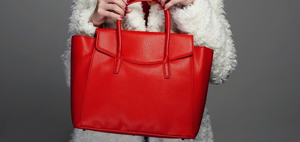 How To Distinguish The Branded Bags From Fake?